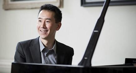 Hiroaki Takenouchi - International Concert Pianist