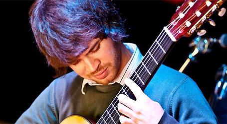 Declan Zapala in concert