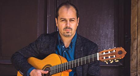 Mark-Hussey - classical guitarist