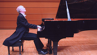 Ronan Magill - pianist