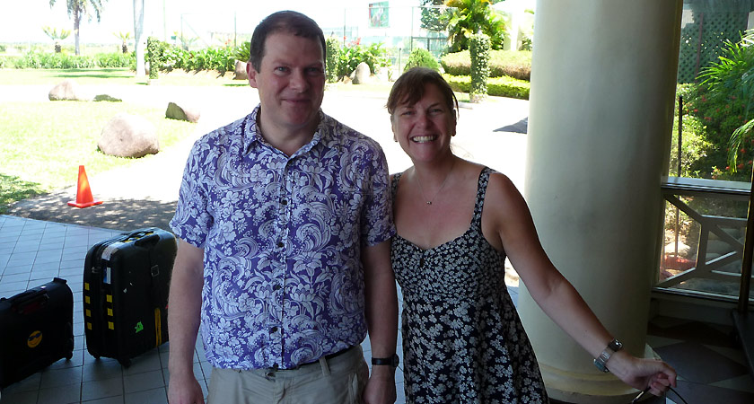 Meeting up with Simon Weale in Fiji, an extra piha international service